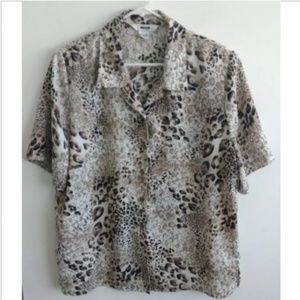 Alia womens button up blouse size 16 cheetah print
